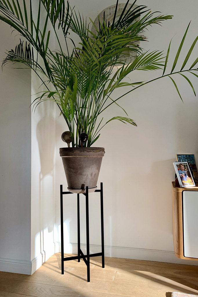 stojak na rośliny z metalu, stojak czarny, modernistyczny
