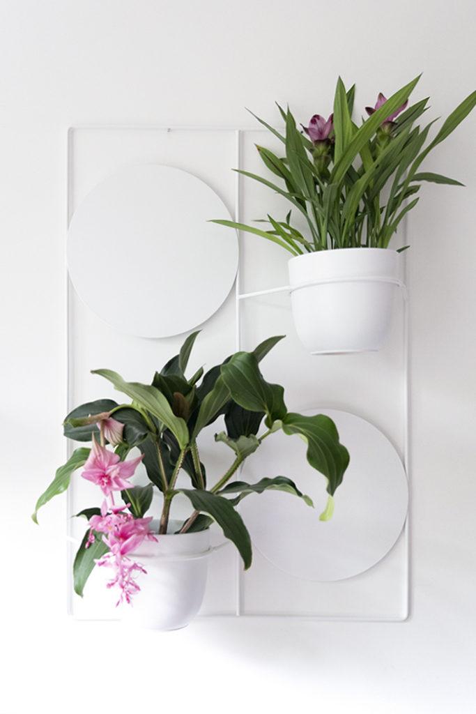 biały kwietnik , kwietnik na ścianę, do przyczepienia do ściany, metalowy kwietnik