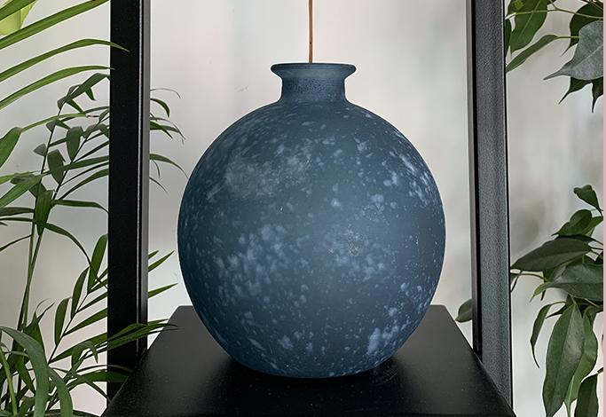 szkło z recyclingu, wazon z recyclingu, eko wazon, wazon niebieski, wazon modny