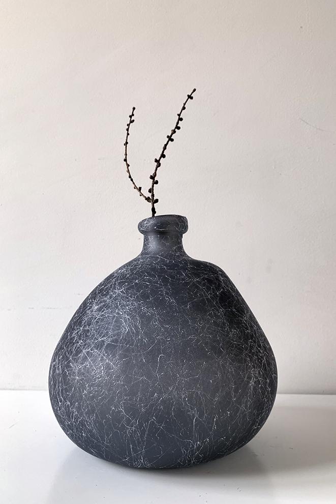wazon jak kamień, eko wazon, wazon z recyclingowego szkła, wazon recyclingowi